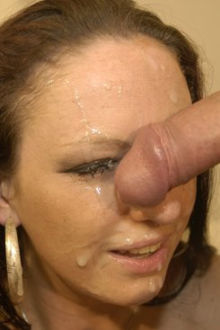 PICTURE SET: Roxy Roxx taking a facefull of cum