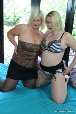 PICTURE SET: Granny Lacey Starr the bi slut maker with Jodie Cummings