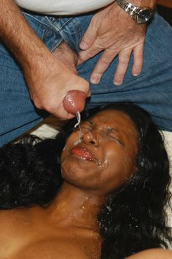 PICTURE SET: Amateur ebony bukkake