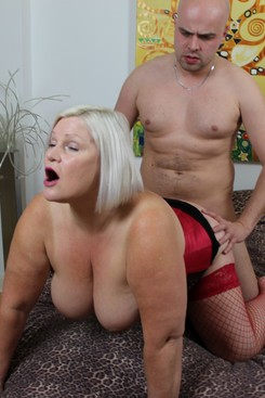 PICTURE SET: Granny Lacey takes an extra topping