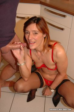 PICTURE SET: Skinny mature fucked in her kitchen