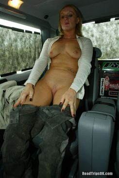 PICTURE SET: Fucked in the back of a taxi