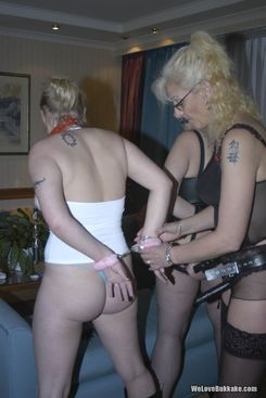 PICTURE SET: Dominant females with a female slave