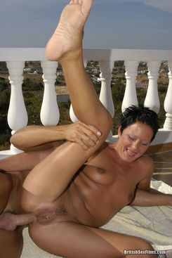 PICTURE SET: Debbie does anal outdoors