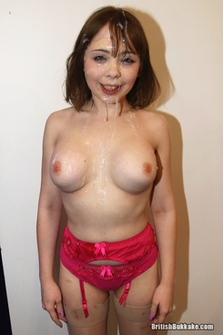 PICTURE SET: Saturating petite Cherry English with cum