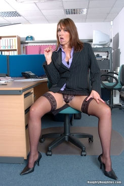 PICTURE SET: Office woman Sabrina Lavelle