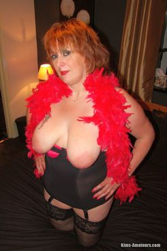 PICTURE SET: Show off redhead older British housewife