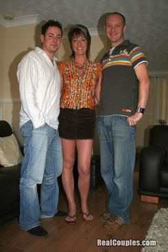 PICTURE SET: Shellys threesome
