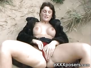 Beach Flash & Pussy Play