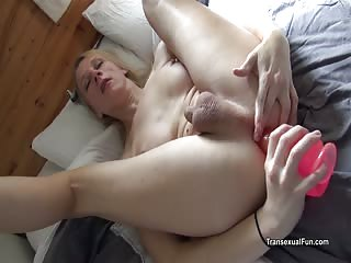 Shemale Redvex toys her ass
