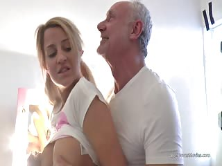 Sienna Day gets an assfuck and rough gagging sex with old porn pro Ben Dover