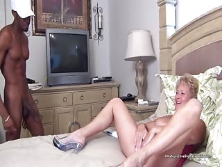 Mature older amateur blonde tests out a big black cock