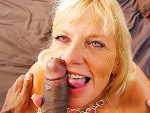 Old mature leggy blonde spends time with big black cock