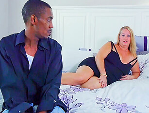 Larger mature lady takes a black cock
