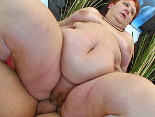 Having fun with a heavy BBW