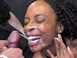 Creaming the black girl Lola Marie