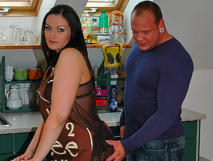 Chubby chick screwed in her kitchen