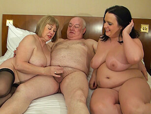 Chubby Sarah Jane has a unexpexted threesome with an older couple