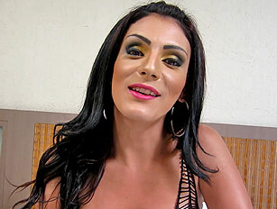 Dark haired shemale wanks and fingers herself