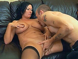Busty MILF with a Mummy tummy gets a good seeing too
