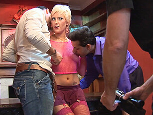 Katie Fox takes a double penetration
